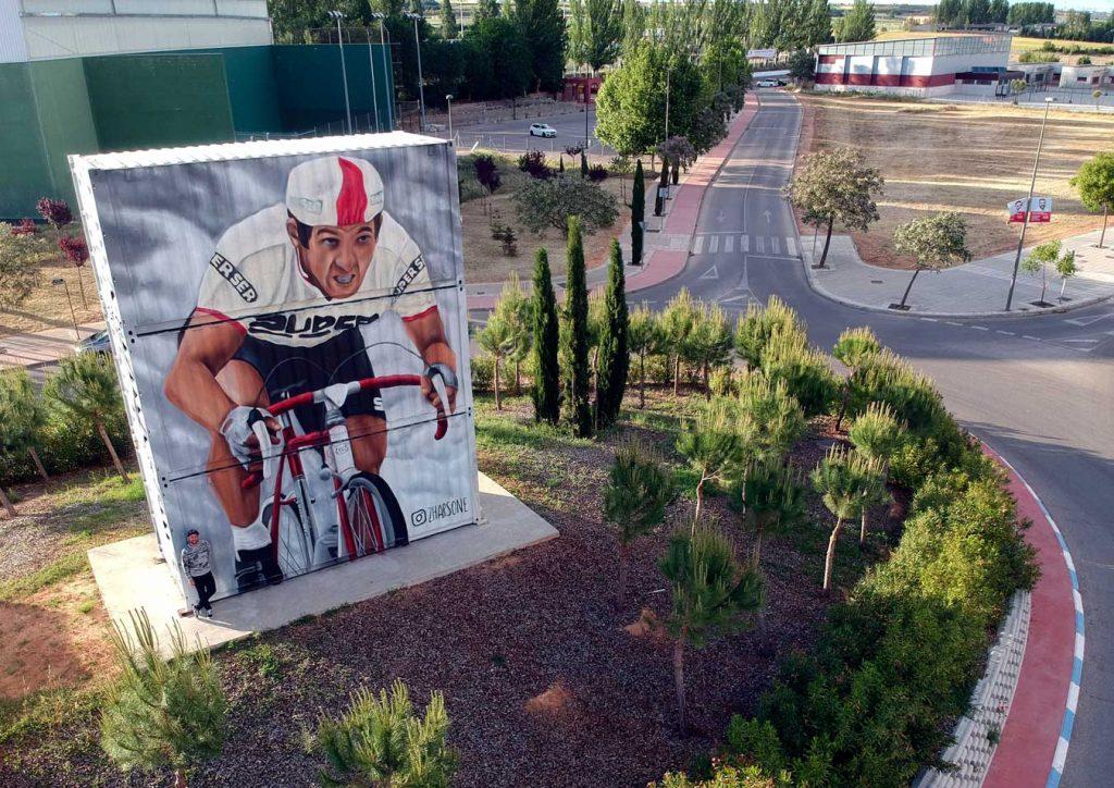 Zhars y su mural homenaje José Luis Viejo