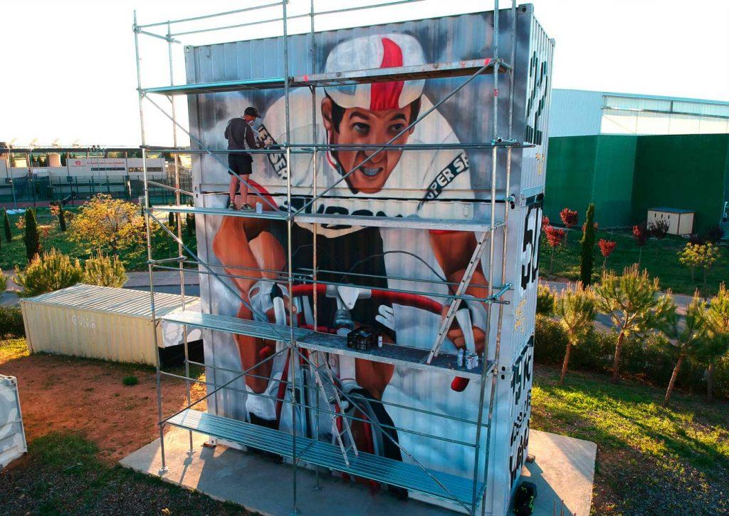 Zhars pintado mural homenaje José Luis Viejo